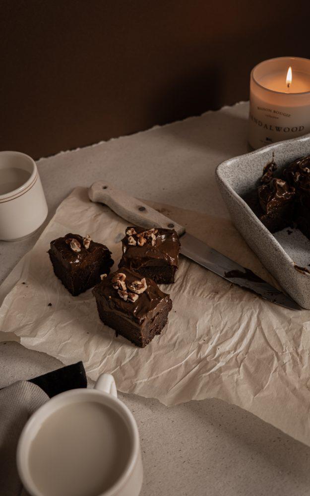 Brownie aux haricots & crémage à l'avocat